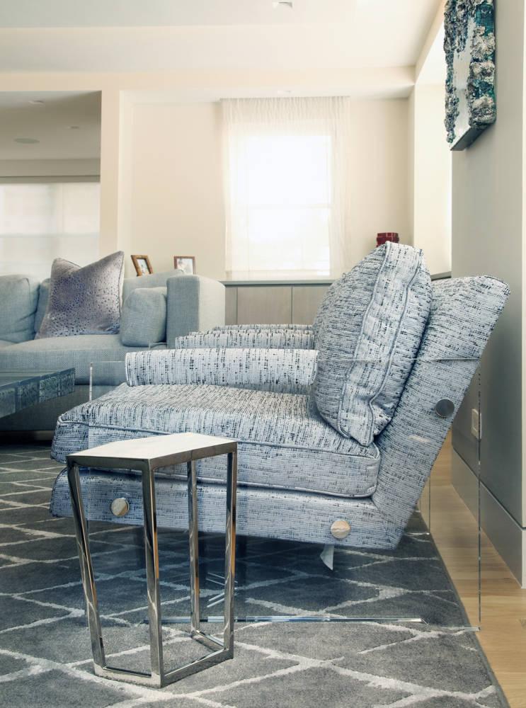 12-es-tenth-living-chair-detail