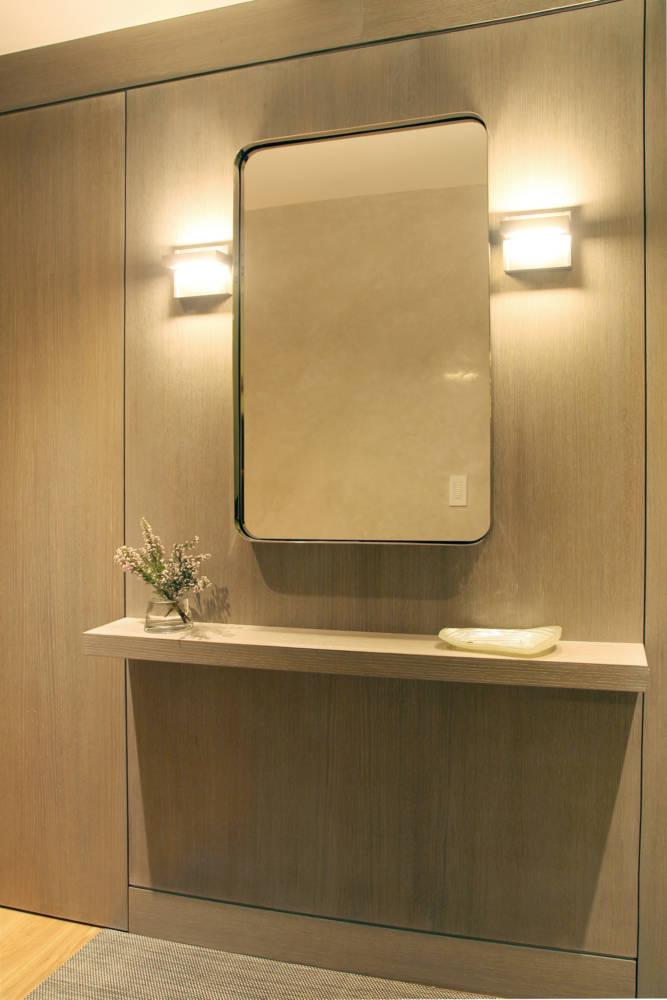 1es-tenth-hall-mirror