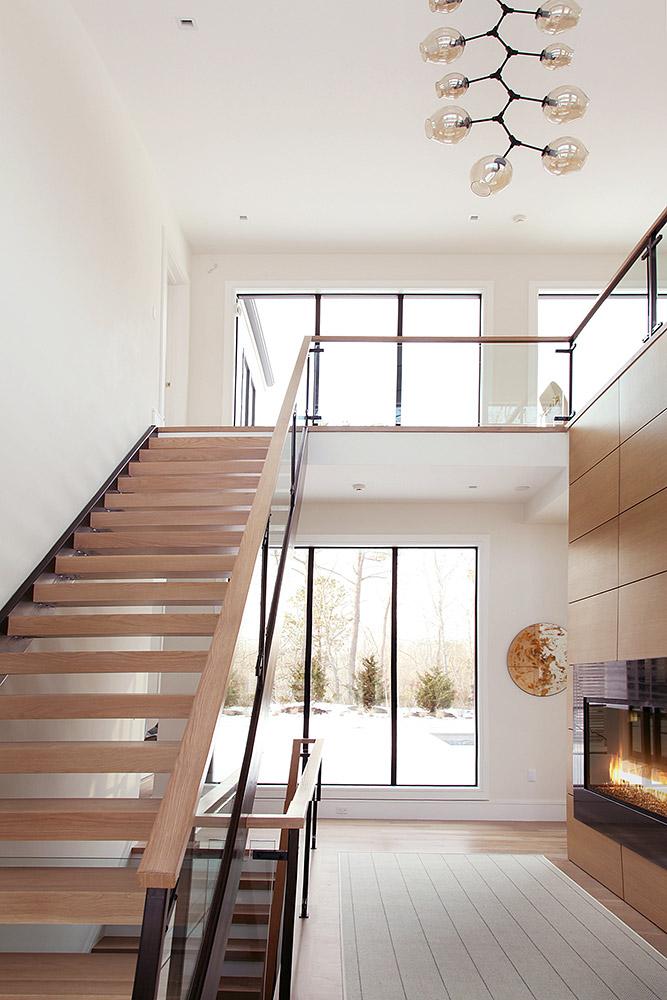 3-ES-old-sag-staircase