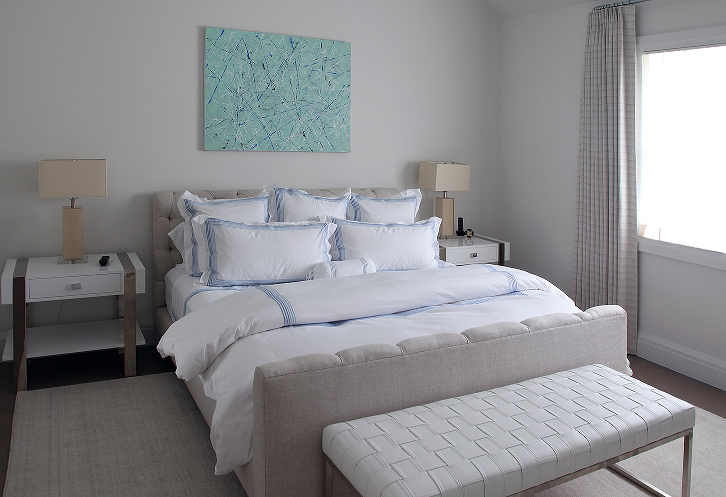 22-es-bw-guest-bed-2